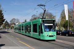 BVB Be 6/8 306 in Allschwil, Baslerstrasse D8A_0094 (foto_DM) Tags: siemens tram basel strassenbahn bvb basler combino allschwil verkehrsbetriebe motorwagen niederflur gelenkwagen