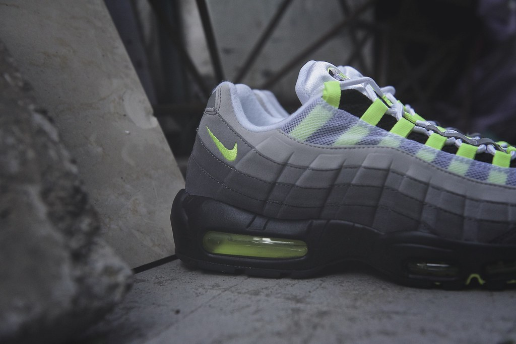 The World's Best Photos of airmax95 and neon Flickr Hive Mind