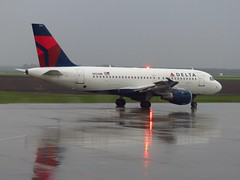 N324NB (redlegsfan21) Tags: lines airport air dal delta hector international airbus far dl kfar a319100 n324nb