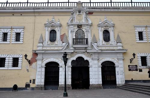 Lima (Perú). Convento de San Francisco. Portada