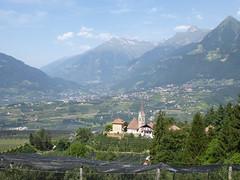 P1150791 (Swassermatrose) Tags: italien italy alps berg italia outdoor wolke landschaft alpi scena montagna italie trentino sdtirol altoadige merano adige  meran hgel italya  2015 sudtirol schenna  trentinoalto