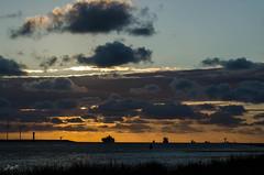 Gigantische abendliche Lichtstimmung am Hoek von Holland (-BigM-) Tags: sunset sea holland netherlands port photography evening abend rotterdam fotografie sonnenuntergang harbour von north maas hafen rhein nordsee niederlande hoek bigm