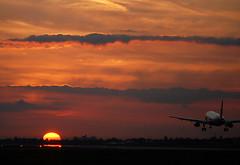Gibraltar sunset. (Longreach - Jonathan McDonnell) Tags: sunset london clouds airbus gibraltar britishairways a320 londonheathrow egll 27r justclouds dsc0089 lxgb runway27r geuur ba491