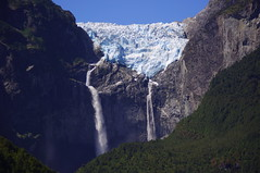Glaciar, Coyhaique, Chile (ARNAUD_Z_VOYAGE) Tags: chile park city blue parque sunset sea sky people horse orange sun white black green cars ice water birds animal yellow azul clouds america river landscape grey boat town pentax south glacier southern caves national whales nacional coyhaique threes kx exploradores