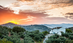Holiday mode on, Andalucia Spain (Simon van Ooijen) Tags: andalusa andalusia andalucia andalusie spain holiday malaga antequera sunset sunrise photography europe beautiful nikon d90 vacation vakantie zoom simon ooijen hills heuvels mountains sierra pueblo blanco white house village countryside flickr clouds trees olives green orange colour color zonsondergang zonsopkomst spanje
