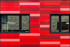 Redhouse (Maerten Prins) Tags: germany duitsland deutschland berlijn berlin rood red wall facade window windows reflection reflections distortion frame composition abstract geometry geometric