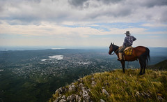 JINETE DE LAS MONTAÑAS (Marina Balasini & Juan Montiel) Tags: turismo argentina travel montañas caballo horse water agua sky cielo naturaleza nature