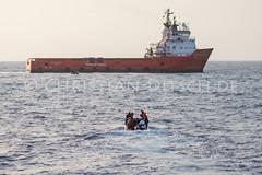 Sea Watch | 13. SAR-Mission (chr.ditsch) Tags: asyl flucht fluchtrouten fluechtlinge fluechtlingshilfe hilfsorganisation mediterraneansea migration mittelmeer ngo politik refugees sar safepassage seawatch seawatch2 qf querformat