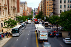 Amsterdam Avenue, NYC (SomePhotosTakenByMe) Tags: tiltshift pictureeffect amsterdamavenue avenue auto car lkw truck bus baum tree outdoor manhattan uptown innenstadt morningsideheights urlaub vacation holiday usa unitedstates america amerika nyc newyorkcity newyork stadt city