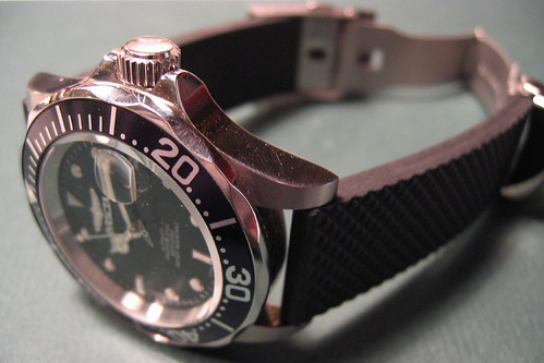 invicta 8926 with rubber strap