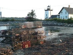 Islesboro lighthouse (MaineIslandGirl) Tags: lighthouse seaweed ferry point harbor tide maine lobster traps islesboro grindle gilkey