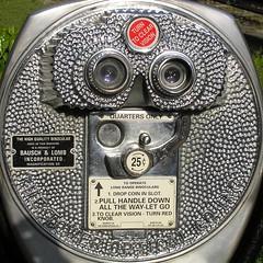 binoculars (Leo Reynolds) Tags: usa holiday chattanooga tennessee olympus binoculars squaredcircle f5 c770uz squsa iso64 115mm 0ev hpexif 0002sec sqrandom titanhitour2005 titanhitour xratio11x sqset002 xleol30x