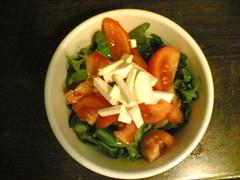 Feta, tomato, lettuce (Roel) Tags: food nokia6630 oil tomato lettuce feta cameraphone
