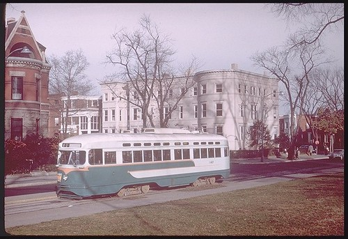 Trolley on Lincoln Park