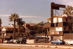Los Angeles.Tropicana Motel& Dukes Coffee Shop.Santa Monica Blvd. 1980 (CENtral 1179) Tags: california street city travel vacation usa holiday signs building car sign losangeles roadtrip socal 1980 westhollywood santamonicablvd tropicanahotel roadtripamerica goldstaraward