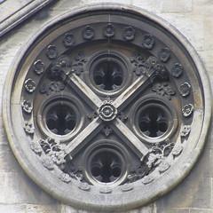 round window (Leo Reynolds) Tags: window olympus round squaredcircle f56 c770uz 43mm windowround iso64 0ev 0025sec hpexif sqrandom xratio11x sqset002 xleol30x