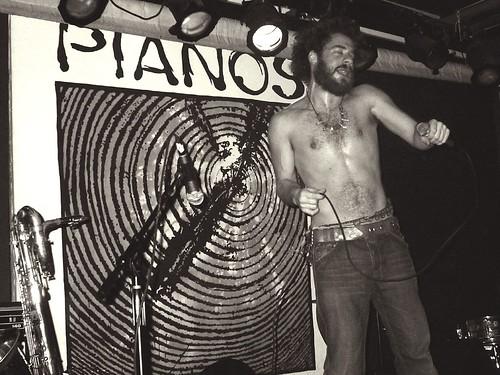 04-03-05 Alan Astor @ Pianos
