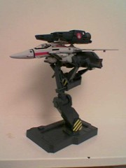 Valkyrie variable fighter from SDF Macross (Z303) Tags: mecha anime macross variablefighter toys valkyrie