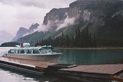 From Spirit island - Maligne Lake - Alberta (montse & ferran travelers) Tags: lake canada mountains west landscape lago island spirit rocky paisaje alberta maligne montse montaas llac ferran paisatge rocosas muntanyes rocalloses