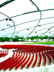 pritzker seating (francesDre) Tags: chicago 100v10fav milleniumpark trellis seating speakers pritzkerpavillion incolor nikonstunninggallery