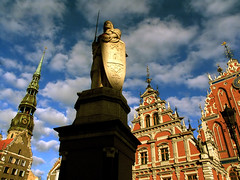 Riga (Dan65) Tags: church statue buildings memorial latvia riga fassade lettland blackheads bluelist thegoldenphoenix