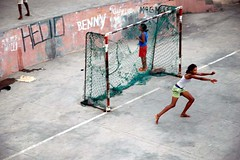 thinking of Johan Cruijff (united*colours) Tags: africa girls playing black verde football cabo fv10 johancruijff