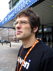 @media2006 - andy clarke (patrick h. lauke) Tags: london media wasp atf andyclarke malarkey atmedia stuffandnonsense webstandardsproject media2006 atmedia2006 accessibilitytaskforce