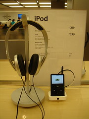iPod in Apple Store (James UK) Tags: england london apple mac ipod applestore