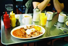 mac's cafe (lomokev) Tags: food english breakfast bacon cafe beans tea fucking egg guinness full sausages bakedbeans fryup hag kageyb fullenglish breaky flickr:user=kageyb file:name=cnv00076