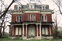 The historic McPike Mansion (Black.Doll) Tags: illinois victorian haunted alton secondempire italianate 1871 mcpikemansion