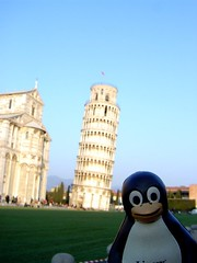 Tux in Pisa (cavorite) Tags: tower pisa linux tux