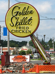 Golden Skillet (magarell) Tags: sign nj hackettstown warrencounty jgilbertguessed