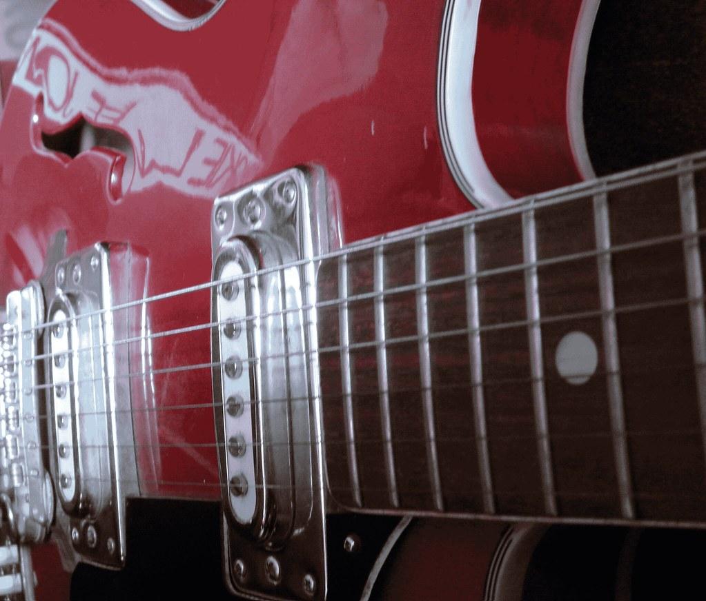 Red, Guitar