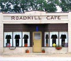 """Road Kill Cafe"" (LA Lassie) Tags: usa 35mm cafe alabama scanned topv666 sweethomealabama latimes elberta roadkillcafe redneckriviera views700 interestingness123 i500 lalassie elbertaalabama hwy98e explore5august2006 july232007 armadilloslookout 9favs724views"