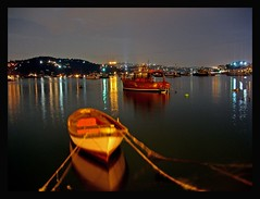Bebek at night! (Z!6) Tags: longexposure summer reflection night clouds turkey dark boats lights nightlights turkiye 2006 istanbul noflash top20night bosphorus nightwalk gece bebek yansima bogaz