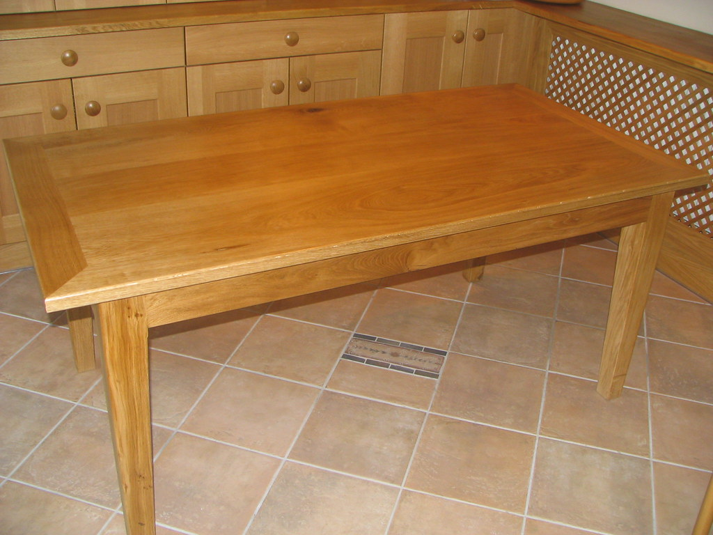 OAK KITCHEN TABLE AND CHAIRS TABLE AND CHAIRS ANTIQUE