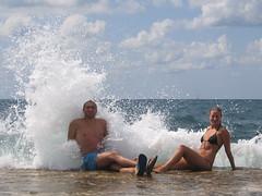 Presi!!! (luca.candini) Tags: mare estate blu 8 otto acqua davide croazia vacanza michela onde gioco porec divertimento ferragosto spruzzi parenzo schizzi