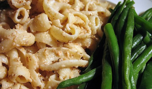 pasta with walnut sauce + green beans