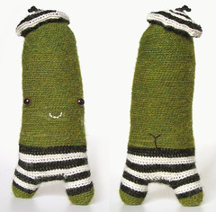 (sandra juto) Tags: blackandwhite green alpaca smile animal toy handmade stripes crochet softie softies zucchini beret asscrack bumcrack alpacawool