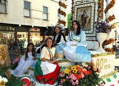 Madonna del Lume Society and Celebration Committee (beppesabatini) Tags: sanfrancisco california littleitaly columbusavenue columbusdayparade italianheritageparade beautyqueens tonyshairstudio sanfranciscoitalianheritageparade columbusdaycelebrationinc