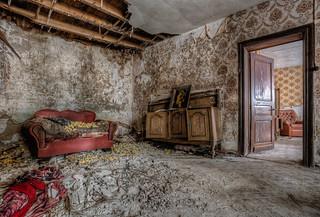 Maison Felix.. - The abandoned feeling.. [Explored]