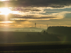 MARIAN SIMON PHOTOGRAPHY (MARIAN SIMON PHOTOGRAPHY) Tags: outdoor landschaft landscape natur nature windkraft sky himmel clouds wolken sun sonne sonnenuntergang olympusomdem1 omd mzuiko75mmf18