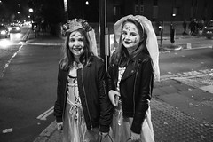 Halloween 2016 in St John's Wood (fabiolug) Tags: halloween stjohnswood night costume costumes kids kid children child people street streetphotography london leicammonochrom mmonochrom monochrom leicamonochrom leica leicam rangefinder blackandwhite blackwhite bw monochrome biancoenero leicaelmarit28mmf28asph elmarit28mmf28asph elmarit28mm leicaelmarit28mm 28mm elmarit leicaelmarit wide wideangle abbeyrd abbeyroad portrait candidportrait streetportrait