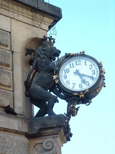 Kłodzko, Oroszlános óra