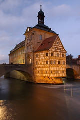 IMG_8218 (maro310) Tags: 365project 70d altesrathaus architecture bamberg bavaria bluehour building canon city germany hungary longexposure outdoor regnitz river sightseeing unesco varosnezes water winter 250v10f