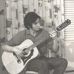 Guitar Framus 12 strings (Pierre♪ à ♪VanCouver(but away)) Tags: framus madeingermany vancouver pierre quasimusician 12 guitar guitare canadian madeinbelgium belgian nb punintended