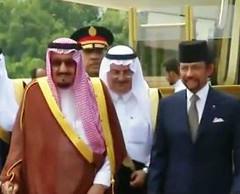 خادم الحرمين الشريفين يصل سلطنة بروناي (ahmkbrcom) Tags: الأردن السفارةالسعودية الصين الملكسلمانبنعبدالعزيـز اليابان سلطنةبروناي ماليزيا