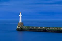 South breakwaters @ blue hour.jpg (___INFINITY___) Tags: 6d aberdeen blue canon darrenwright dazza1040 eos infinity longexposure scotland sea seascape southbreawater