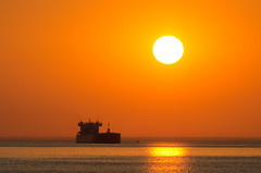 North Shore Trip - August 2015 - MV American Integrity at Sunrise (pmarkham) Tags: usa sunrise boat ship northshore mn duluth lakesuperior freighter 1000footer