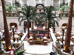 Landmark Hotel (Kombizz) Tags: uk people building london architecture arch samsung arches palmtrees interiordesign nw1 mobilephoto reataurant greatcentralrailway landmarkhotel maryleboneroad cityofwestminster kombizz thelandmarkhotel 5starluxuryhotel siredwardwatkin 222maryleboneroad samb200 hotelgreatcentral lancasterlandmarkhotel hotelresidents